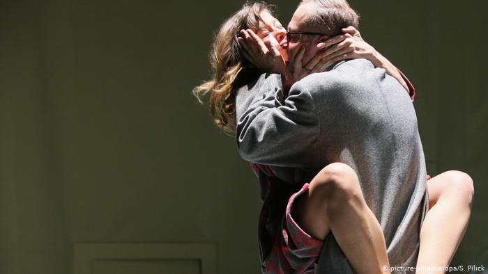Репетиция спектакля Расколотое небо в берлинском театре Шаубюне (2015 г.)
