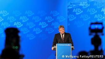Йорг Мойтен выступает на съезде партии