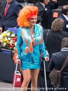 Оливия Джонс в бундестаге