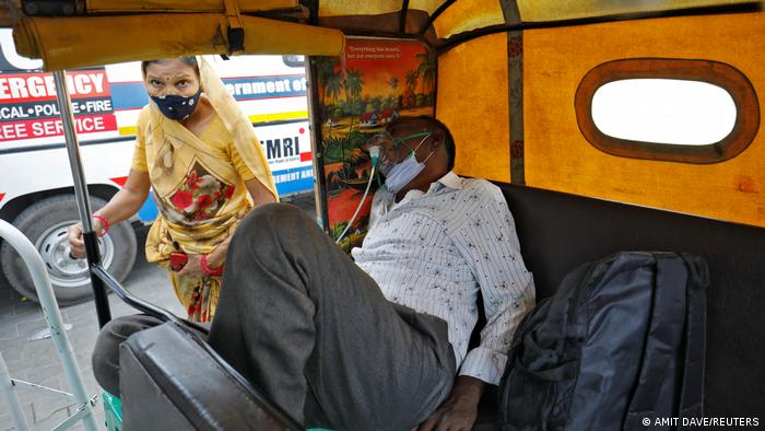 TABLEAU | Indien Coronakrise Impfungen Krematorien