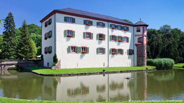 Замок Айхтерсхайм (Schloss Eichtersheim)