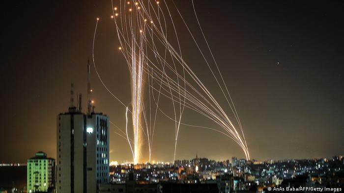 Ракеты, выпущенные со стороны сектора Газа в направлении Тель-Авива