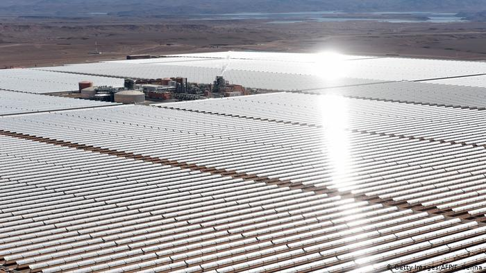 Солнечная электростанция близ города Уарзазат в Марокко.
